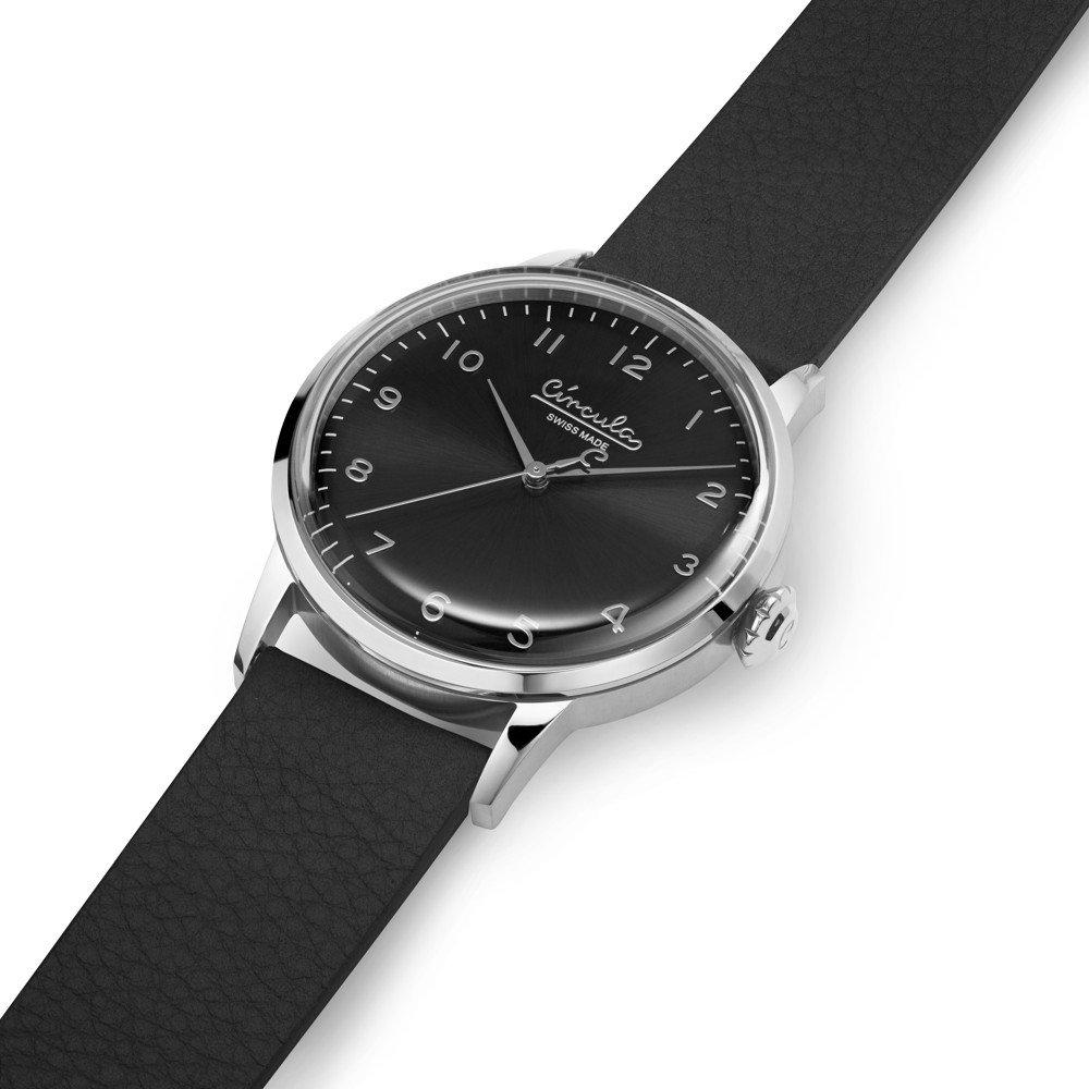 Circula Retro Quarz Ronda Uhrwerk silber schwarzes Ziffernblatt schwarzes Lederarmband gewölbtes Mineralglas