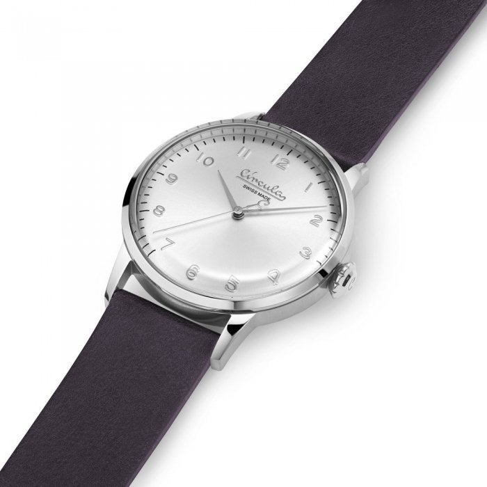 Wristwatch in Vintage Design - Swiss Made, Stainless Steel, Leather Strap