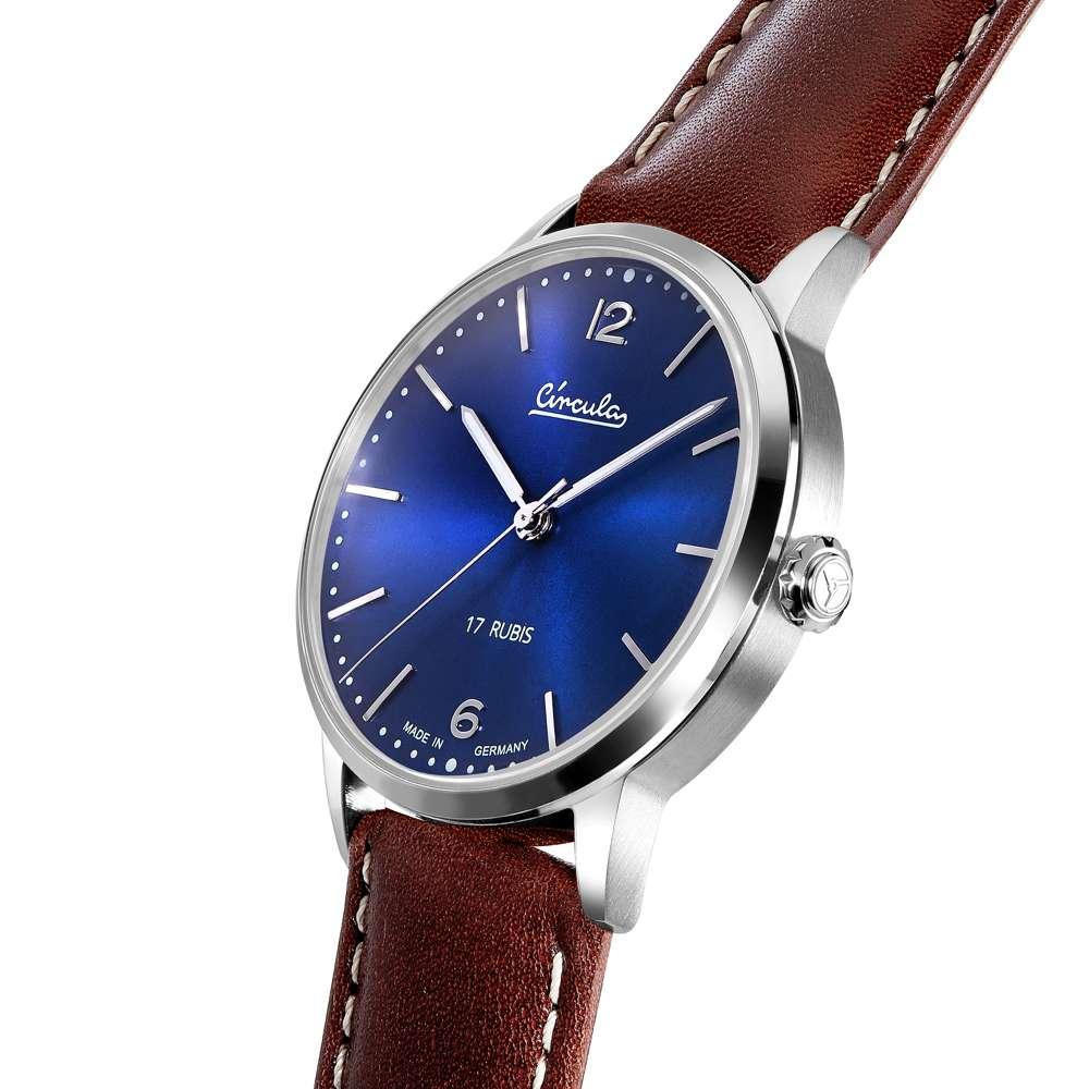 Circula Heritage Uhr Handaufzug silber PUW Werk blaues Ziffernblatt braunes Lederarmband mit Naht