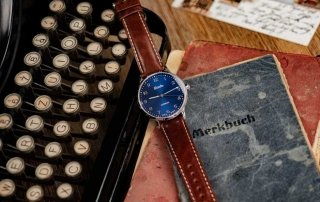 Automatikuhr blaues Ziffernblatt PUW Circula Heritage-Kollektion